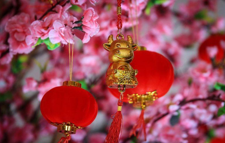 красные фонари в китайский Новый год