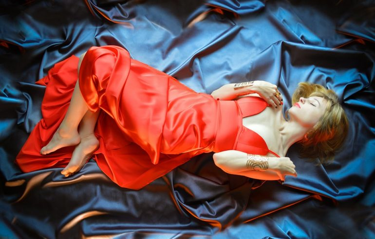 ткани нового поколения для пошива платьев