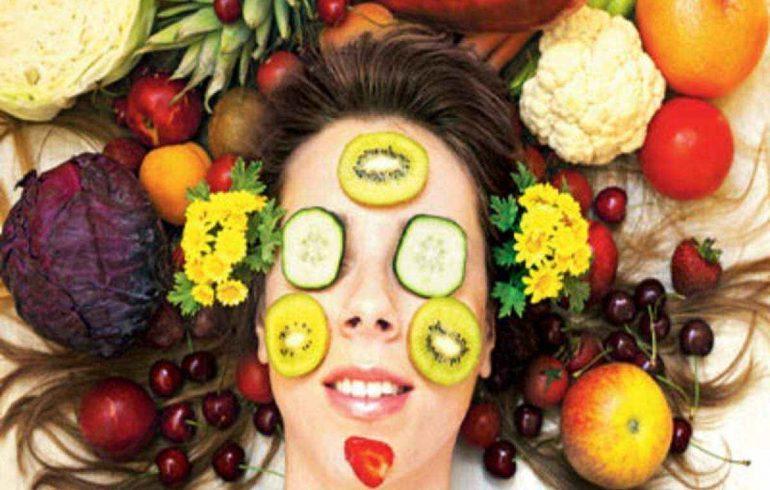 делаем маски из свежих ягод и овощей