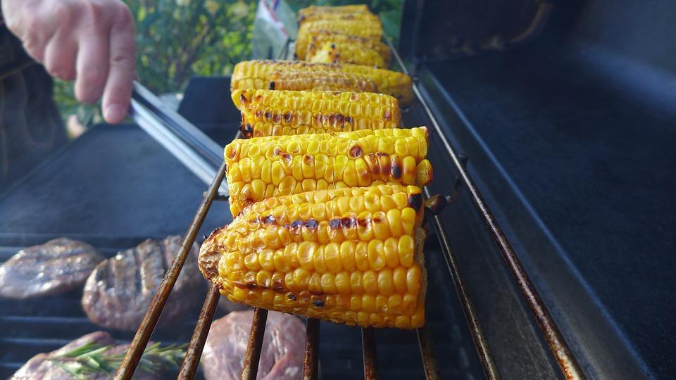 готовим кукурузу на гриле